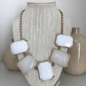 🌿 Banana Republic necklace